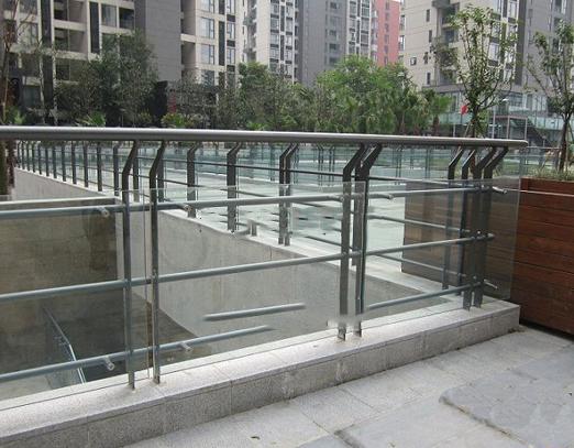 超白夹胶玻璃护栏