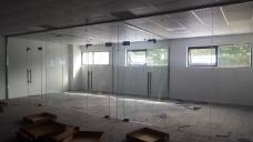 昆山办公室隔断安装,无框玻璃门安装